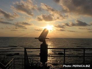 Bulharsko - Carevo: Pohled na východ slunce nad Černým mořem z mořského parku - Ubytování v novém carevském apartmánu Sea Dream Apartment s výhledem na mořský park a otevřené moře